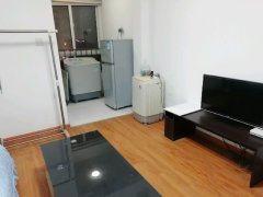 万达尚城公馆1室1厅1卫精1500元半年付家电家具拎包入住